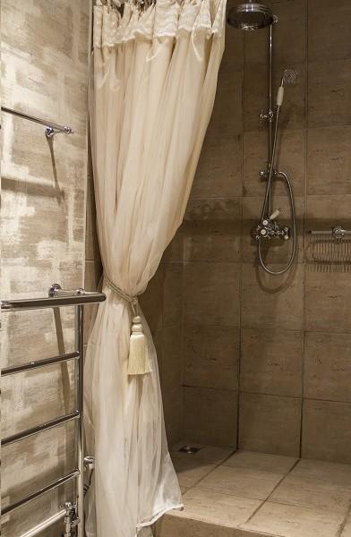 Dekoruota dušo užuolaida