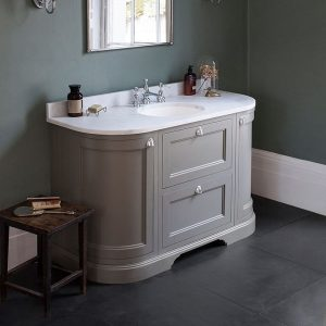 Vonios baldas su stalčiais Burlington 134cm