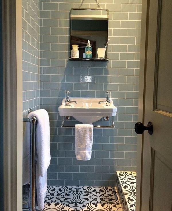 Mazas vonios kambarys 1