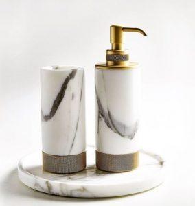 Vonios aksesuarai iš marmuro